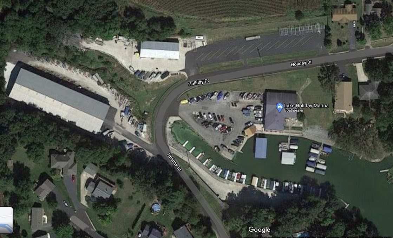 Google Maps aerial screenshot of Lake Holiday Marina